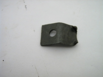 GLOVE BOX RETAINING BRACKET