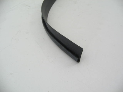 WING VENT TO WINDSHIELD GASKET