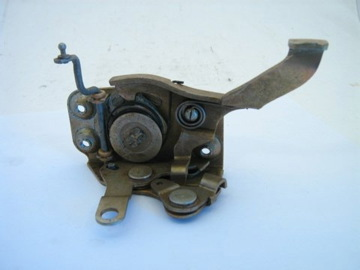 RIGHT DOOR LOCK ASSEMBLY