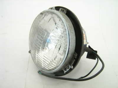 OUTER HEAD LIGHT ASSEMBLY