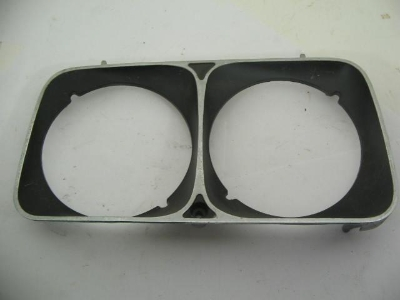 RIGHT FRONT HEAD LAMP FRAME