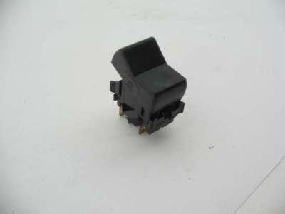 DEFROSTER SWITCH